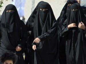 veiled-women