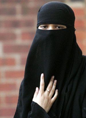 https://rossrightangle.files.wordpress.com/2012/08/burka.jpg