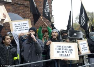 Muslims DisruptSilence in London, Armistice Day 2010
