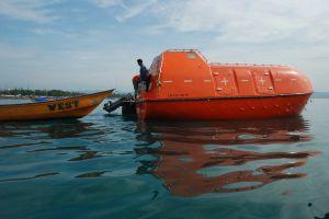 australia_lifeboat_asylum_seekers